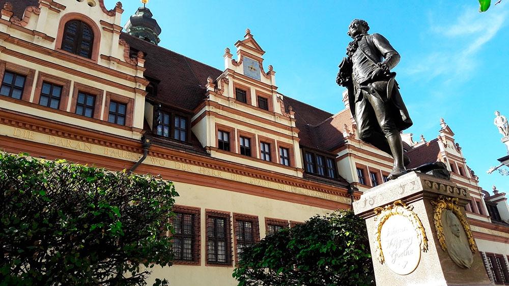 라이프치히-괴테-기념물-동상