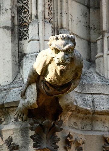 노트르담 성당 벽면 가고일